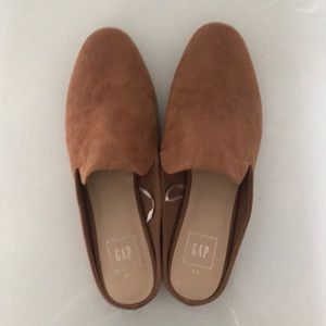 Gap faux suede brown slip ons